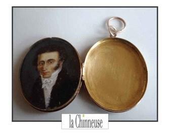 ANTIQUE GOLD LOCKET 18 K 18 K Gold & painted 18th century Miniature Locket / Antique french 18 K Gold jewel.