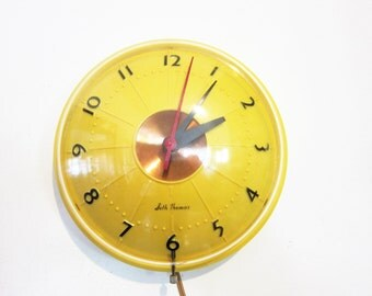 "Seth Thomas ""Rondo"" Yellow Electric Wall Clock 1960s"