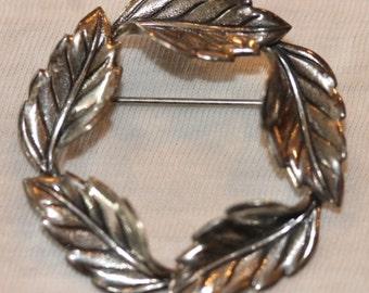 Signed Beau vintage sterling silver etched round leaf pin brooch