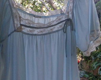 Pretty pale blue vintage nighty from the 1960s feminine lingerie & lace