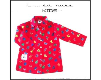 "Printed red schoolboy apron ""alphabet"""