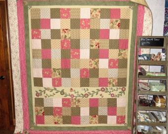 Queen size Appliqued quilt, Full size quilt, Vintage quilt, Rose, green, cream quilt