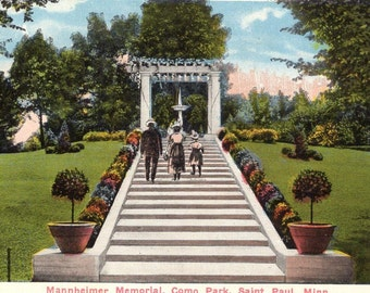 Saint Paul, Minnesota - Family walking up the stairs of the Mannheimer Memorial in Como Park - c1920s - Vintage Postcard