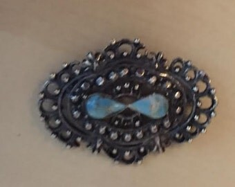 Vintage Brooch Turquoise Stone and Metal Design