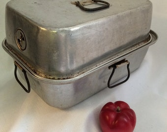 Wearever Aluminum Roaster,  Medium Roasting Pan, Covered Roaster, Metal Cook Pan, Vintage Cookware, Rectangle Roaster, No  262, Farm Kitchen