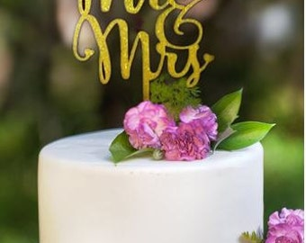 Mr Mrs Acrylic Wedding Cake Topper ~ wedding cake topper ~ wedding cupcake decoration ~ dessert table ~ candy buffet ~