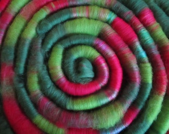 Rolls of wool spinning