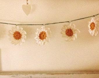 Daisy chain garland
