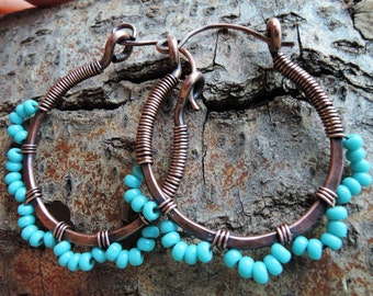 Turquoise copper hoops - Hammered copper earrings - Boho copper earrings - Boho turquoise earrings - Seed bead hoop earrings -  Gypsy hoops