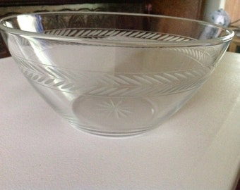 Vintage 1930s Glass Serving Bowl