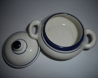 Bowl with lid-small white background blue line ceramic sugar bowl-hand painted