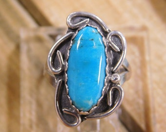 Charming Turquoise Sterling Silver Ring-Size 6.5