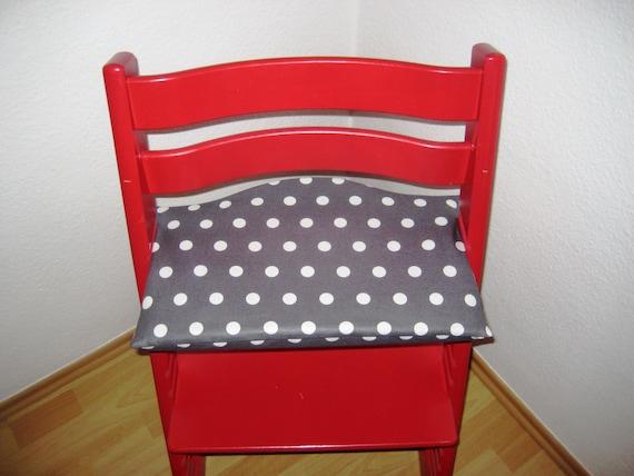 hnliche artikel wie tripp trapp sitzkissen abwaschbar punkte grau auf etsy. Black Bedroom Furniture Sets. Home Design Ideas