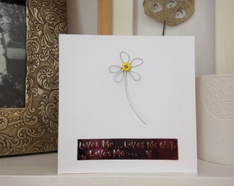 Wire and button daisy message card