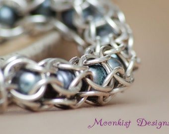 Iridescent Black Pearl Chain Maille Bracelet in Sterling - Silver Captured Link Pearl Bracelet - Gift Her - Chain Mail - Ready To Ship