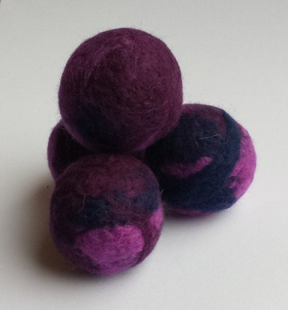 Purple Squishy Ball : Cat felt ball toy needle felted purple and blue soft by PawAndGnaw