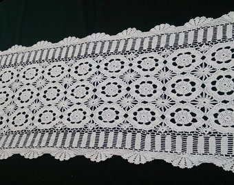 White Lace Rectangular Table Runner.  Vintage Lace Table Runner. Crocheted Cotton Lace Table Runner RBT0614