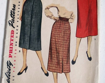 Vintage 1953 Working Girl Slim Skirt Variety Simplicity Pattern Curvy Girl Size 18.