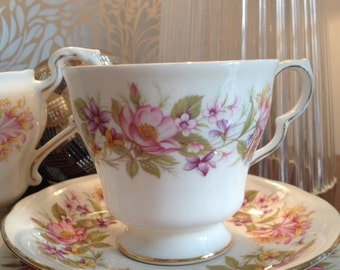 Beautiful Vintage Colclough 'Wayside' Teacup, Saucer, Plate and Matching Creamer