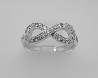 14K White Gold Diamond Infinity Band