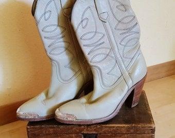 Frye Boots Vintage sz 6