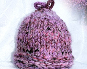 Melange hat of thick yarn