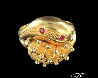 Old vintage gold 18 K ruby ring ring