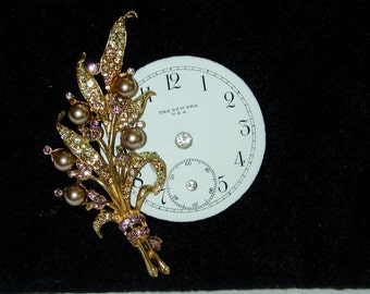 Pocket watch pink pearl and rhinestone brooch