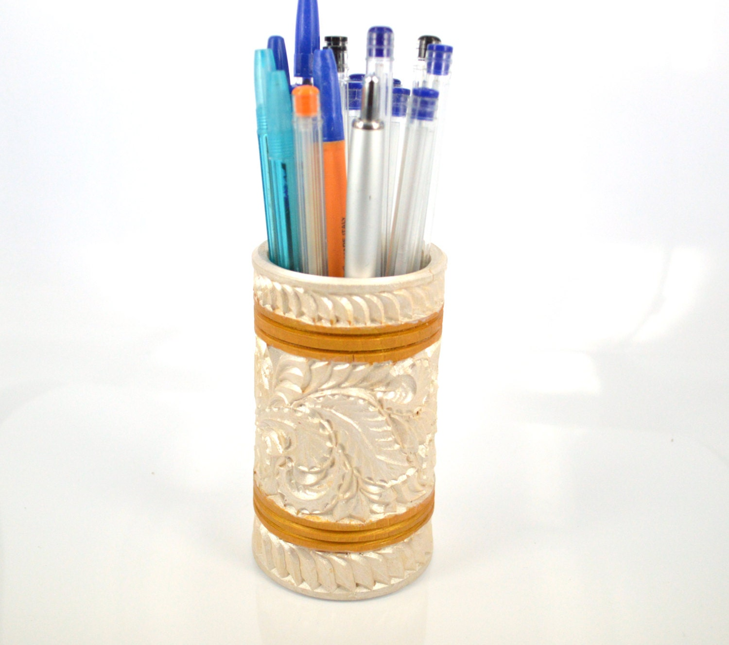 Wood carving carved wooden pencil and pen holder wiht a