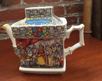 "Vintage English Sadler Sir Lancelot ""Knight of the Round Table"" Teapot"