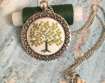 Hand embroidered necklace//Vintage romantic pendant/Petite Point/Green Tree