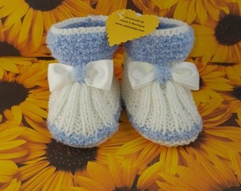 Hand knit baby booties, baby shoes, baby boots,baby slippers,baby gift, baby shower, newborn, handmade, shoes for babies, baby