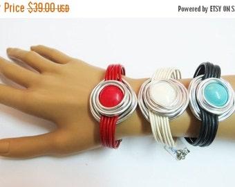 Shell Bracelet, Silver Wire Bracelet, Mother Of Pearl Bracelet, Wrap Stone Bracelet, Silver Shell Bracelet, Stone Bracelet, Wrapped Bracelet