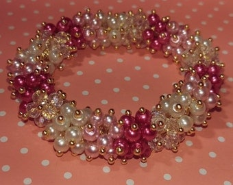 Glass and pearl beaded bracelet on elastic