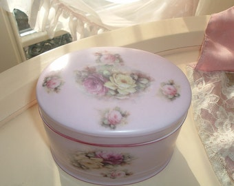Jewelry box with roses