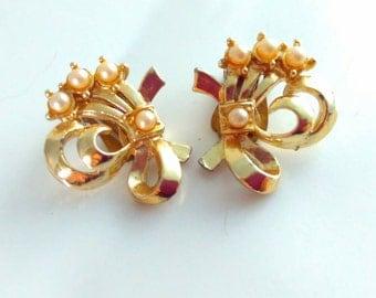 Jewelcraft earrings, vintage earrings, 50s earrings, pearl earrings, wedding jewelry, bridal earrings, wedding earrings, wedding, bride