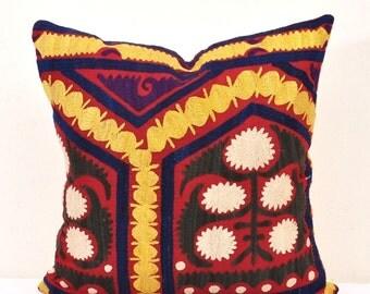 Turkish Design Suzani Throw Pillow Cover-Throw Suzani Pillow -Suzani Pillows-Suzani Cushion-Designer Suzani Pillow-Vintage Suzani pillow