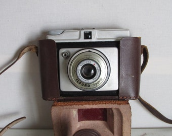 A West German made Ilford Sporti Vintage camera.