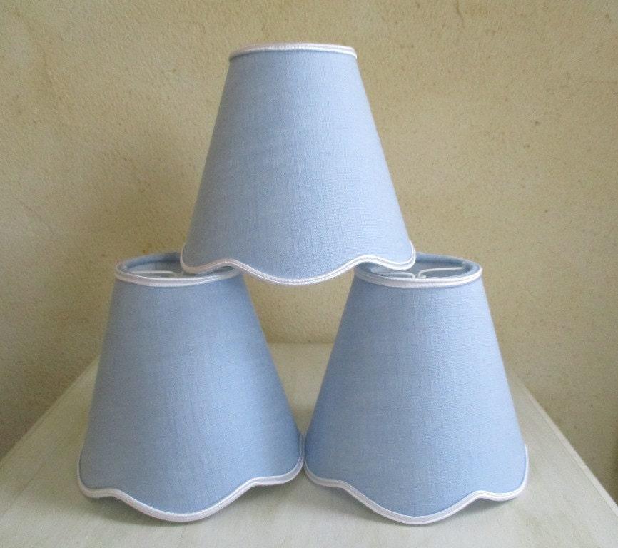 abat jour pince pour applique ou lustre bleu clair. Black Bedroom Furniture Sets. Home Design Ideas