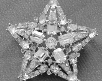 Antique Brooch star with rhinestones foil backs