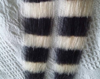 "2 x coontail racoon tail human hair extensions clip in blonde and black . approx 1-1.5"" wide 16""long hand painted."