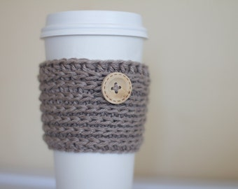 Beige coffee cozy with wooden button, oatmeal coffee cozy, coffee cup sleeve, coffee mug cozy, taupe, vegan gift, cotton coffee cozy