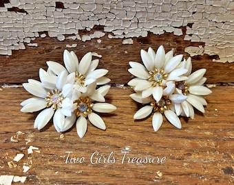 1940s Vintage Coro Aurora Borealis Clip On Flower Earrings