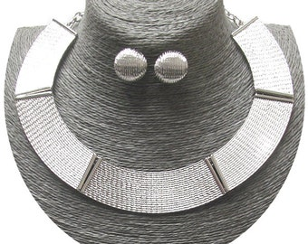 Textured metal choker necklace set (SILVER)