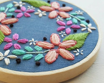Hand Embroidery Wall Hanging Floral Wreath Hoop - 4 Inch - Flower Art - Blue Daisy Decor