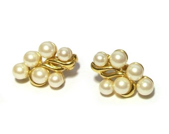 Vintage 1980s Clip On Earrings Pearl Clusters In Gold Trashy Glam Bling
