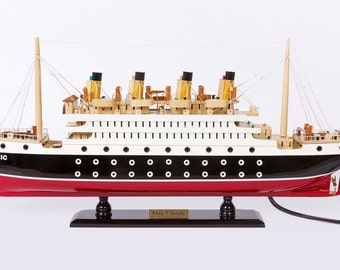 RMS Titanic Model Cruise with LED lights