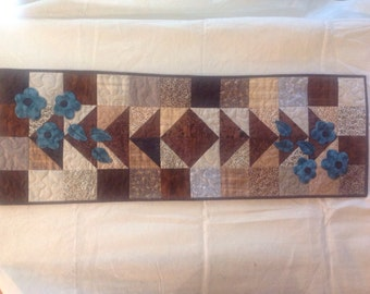 Table Runner with Applique
