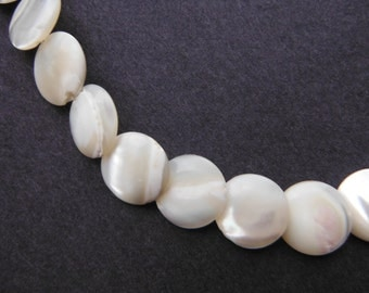 Vintage Choker Style Pearlescent Bead/Disc Necklace