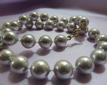 Vintage grey beaded necklace